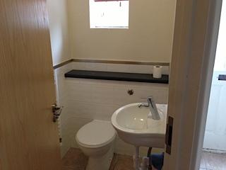 4A Mortlock Bathroom